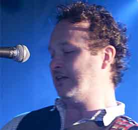 Mundy - Irish singer-songwriter